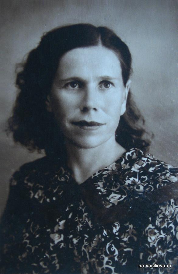 olga-gavrilovna-biryukova-selskaya-uchitelnica-v-moldavii_1950-e-gody