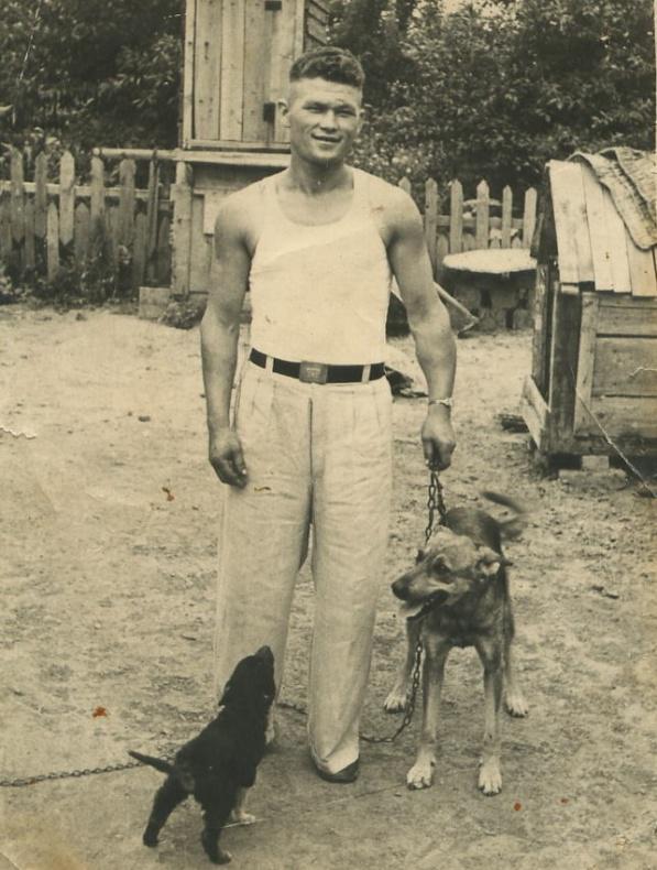 Мой дедушка Пономаренко Николай Федорович, умер в 1980 году.