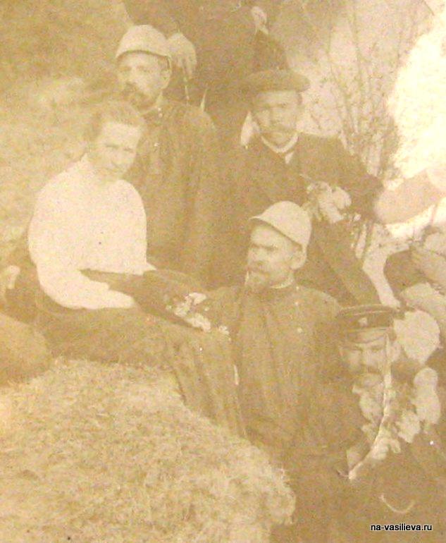 Федор Буслов с коллегами