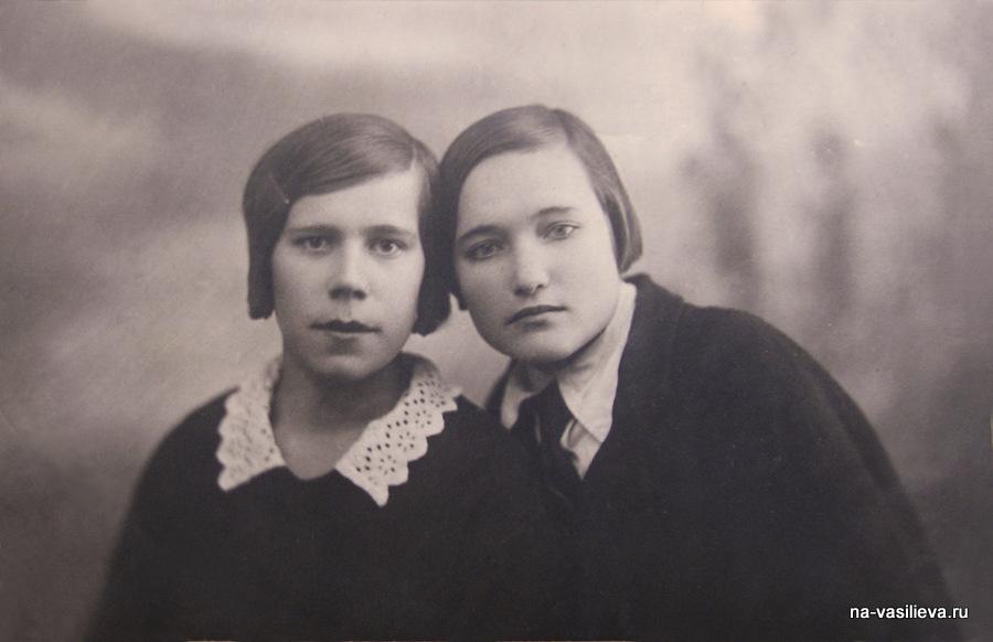 olya-biryukova-i-nina-larina-odnokursnicy-medrabfaka_1938-god