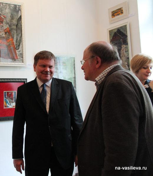 Слева Посол Венгрии в Молдове Матиаш Силаги